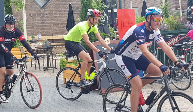 starten toertocht cyklist